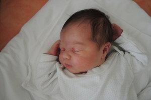 Anita Beňová (3790g, 52 cm) sa narodila 7. mája Lenke a Marekovi z Trenčianskej Turnej. Doma na sestričku čakajú bratia Viktor (7) a Rafael (6).
