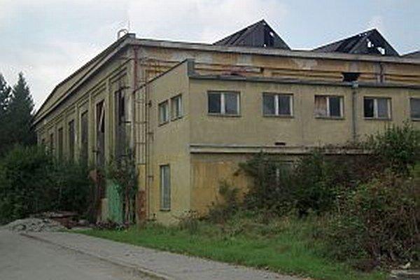 Horiaci odpad v budove prednedávnom riadne vystrašil Dubničanov.