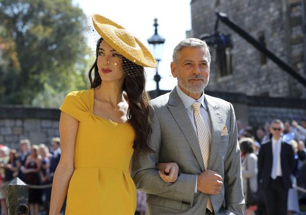 Amal a George Clooneyovci prišli do kaplnky.