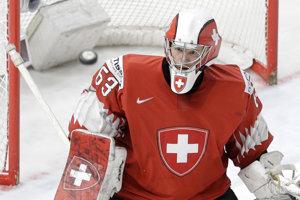 Švajčiarsky brankár Leonardo Genoni chytal v play off MS v hokeji parádne.