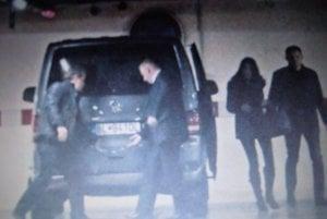 V januári sa dostal na verejnosť záber z podzemnej garáže hotela Double Tree by Hilton, na ktorom je údajne Robert Fico s asistentkou Máriou Troškovou. Premiér neodpovedal, čo robil v hoteli Juraja Širokého, považovaného za jedného z mecenášov Smeru. Široký tvrdí, že sa tam s Ficom nestretol.