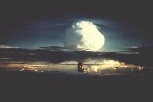 Ostrov, na ktorom odpálili bombu, výbuch kompletne zničil.