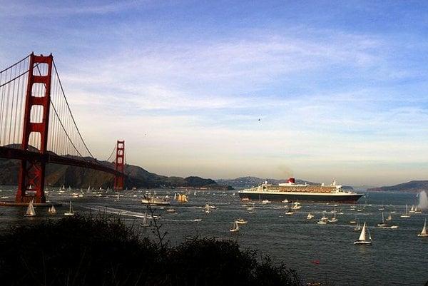 Queen Mary 2 je v súčasnosti desiatou najväčšou výletnou loďou na svete.