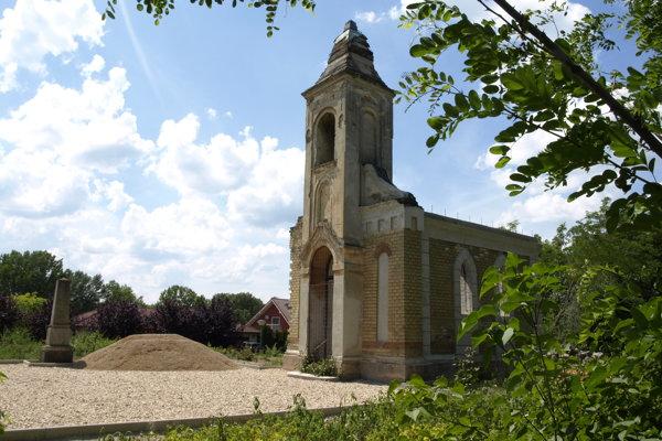 V najnovšom čísle týždenníka MY Naše novosti sa dočítate aj o obnove kaplnky na starom cintoríne v Nových Zámkoch.