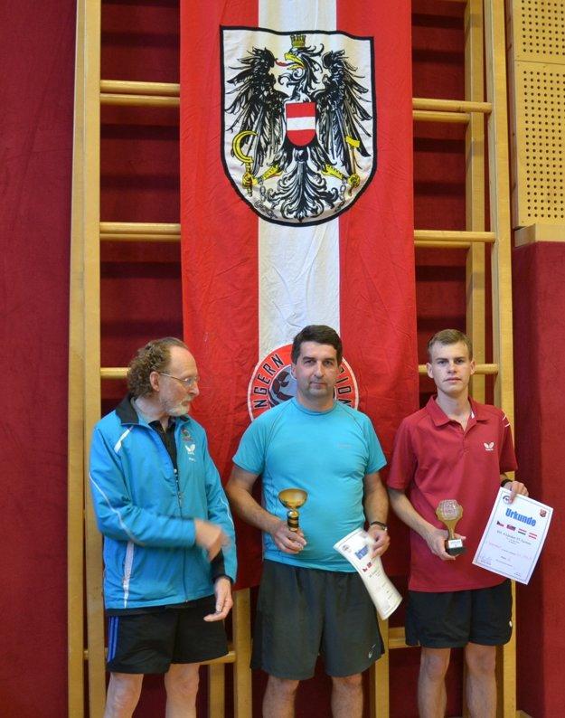 Zľava: organizátor turnaja: Mitas Helmuš, J. Lajda aE. Eckhardt.