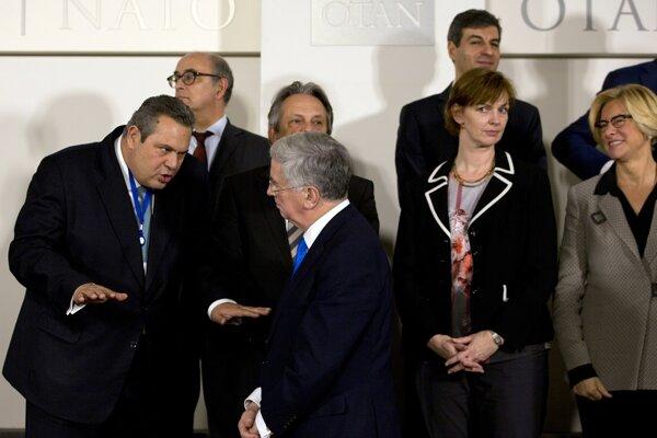 Vrcholní predstavitelia Severoatlantickej aliancie a Európskej únie v Bruseli podpísali dohodu zameranú na zlepšenie kybernetickej obrany.