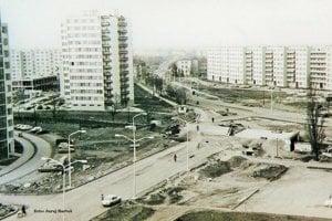 Výstavba na Okružnej ulici a Ul. M. R. Štefánika v Leviciach.