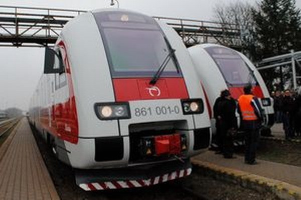 Nové vlaky majú skvalitniť dopravu.