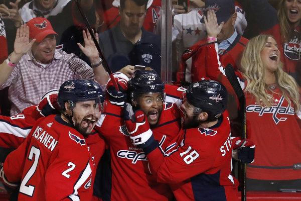 Hokejisti Washingtonu zvíťazili v treťom finálovom zápase.