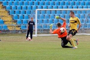 Kanonier FK Košice Radovan Bandžuch sa proti Stropkovu pochlapil, strelil všetky tri góly.