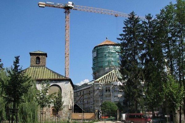 Veža Budatínskeho hradu počas rekonštrukcie.