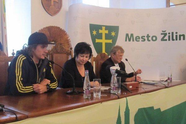 Basejumper Roman Dubský (vľavo) predstaví svoj súťažný film.
