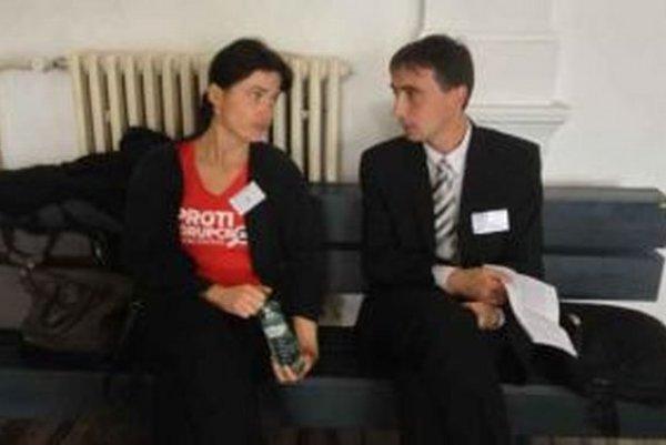 Svedok Ján Marosz (na snímke vpravo) vypovedal pre súdom.