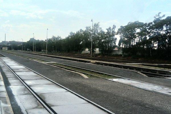 Železničná trať v Topoľčanoch.