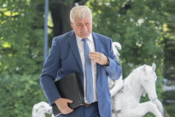 Minister dopravy Arpád Érsek.