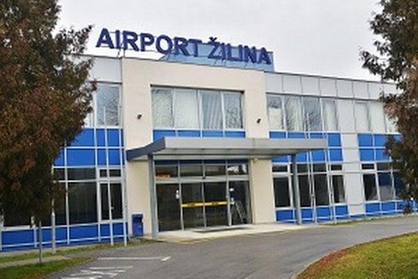Vstup do budovy letiska