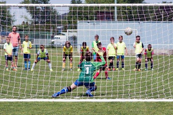 Najmenší futbalisti zabojujú o úspech na troch záverečných turnajoch.