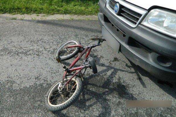 Nehoda v obci Belej.