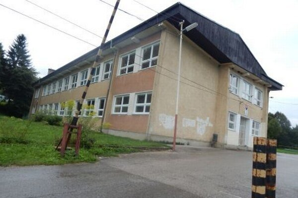 Základná škola v Lietave.