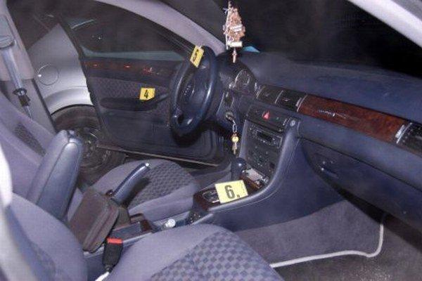 Kontrolované Audi A6.