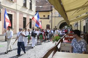 Pochod Rusínov ulicami Prešova.