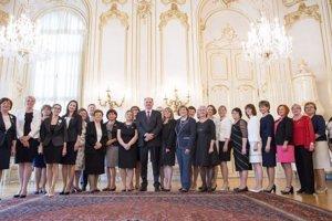 V prezidentskom paláci.