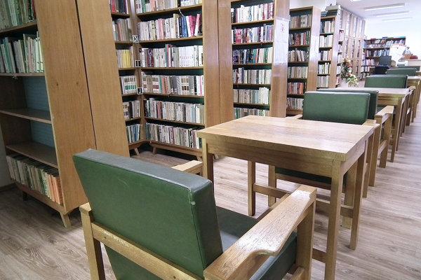 Staré vybavenie mestskej knižnice bude čoskoro minulosťou.