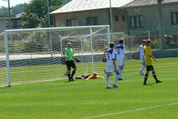 Honka Espoo v súboji s Dynamom Kyjev.