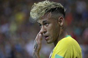 Neymar v úvodnom zápase Brazílie na svetovom šampionáte až príliš často sóloval.