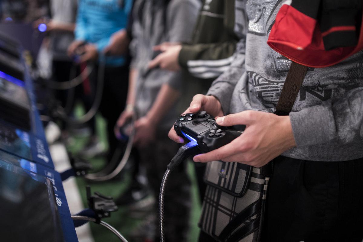 Nové konzoly sa blížia. Oplatí sa ešte kúpiť PlayStation 4 či Xbox ... b98e5ae4d13