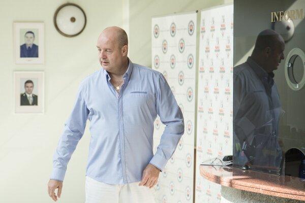 Obvinený exriaditeľ televízie Markíza Pavol Rusko počas príchodu na výsluch na Prezídiu Policajného zboru v súvislosti so zadržaním Mariana Kočnera pre zmenky a daňové trestné činy.