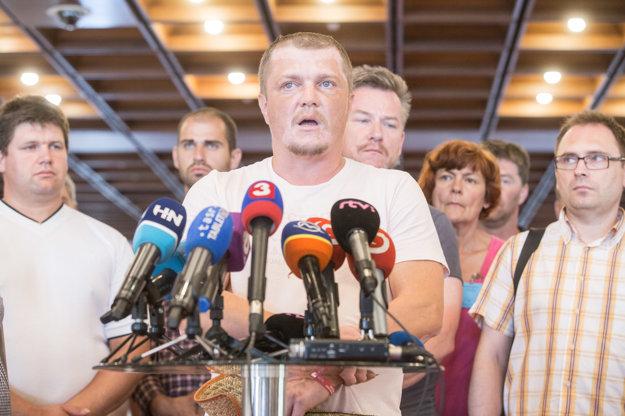 Zástupca farmárov farmár Patrik Magdoško po stretnutí s Andrejom Dankom.