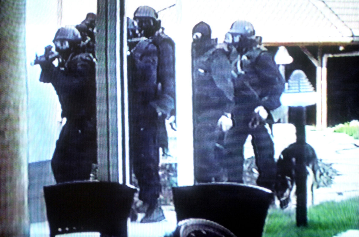 FOTO: Mečiar, Mello, Ondrejčák. Najznámejšie zatknutia - domov.sme.sk