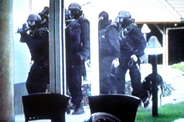 Policajná akcia v Elektre.
