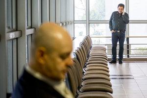 Pavol Rusko a Marian Kočner na súde v prípade zmeniek televízie Markíza, polícia ich podozrieva, že cenné papiere sfalšovali.