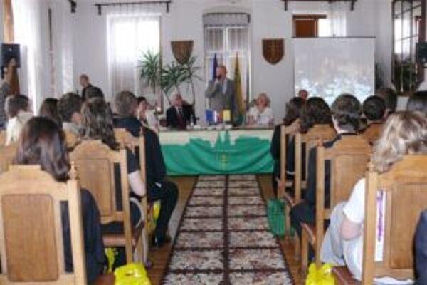 Okrem primátora Harmana prišiel aj europoslanec Mikolášik.