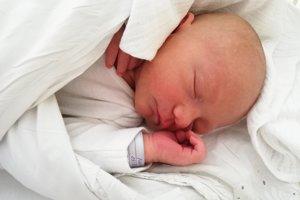 Nicolas Petráš (3630 g, 50 cm) sa narodila 4. júna Nikole a Pavlovi z Považian. Doma už majú 20-mesačnú Emily.