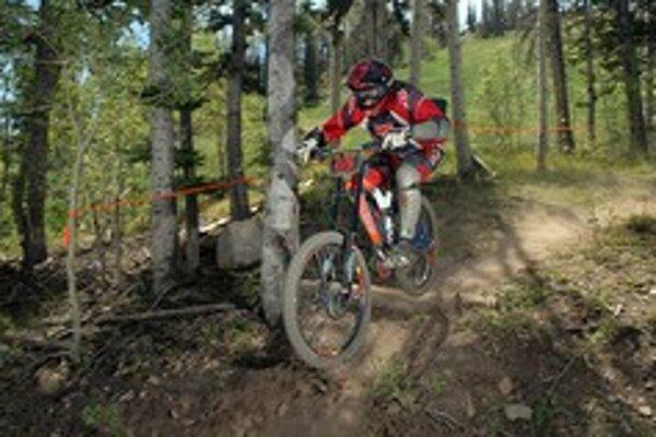 Vo Vrátnej sa konalo finálove kolo Slovenského pohára v zjazde horských bicyklov.