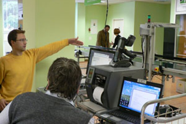 Tradičné čiarové kódy má nahradiť práve technológia z nového laboratória v Žiline.