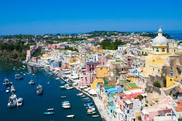 Farebné prímorské dedinky na talianskom pobreží