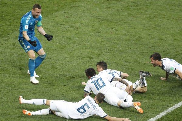 Futbalisti Ruska vyradili v osemfinále Španielsko.
