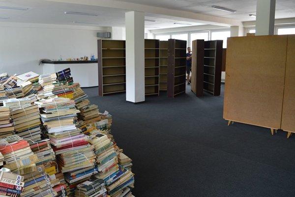 Knižnica už začala so sťahovaním.