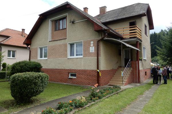 Centrum vzniklo úpravou staršieho rodinného domu