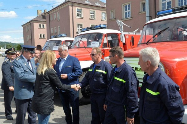 Ministerka ocenila prácu dobrovoľných hasičov.