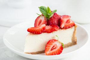 Jahodový cheesecake.