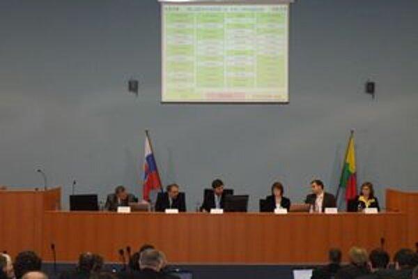 Juraj Blanár viedol schôdzu, na ktorej poslanci neodsúhlasili všetky návrhy výberových komisií.