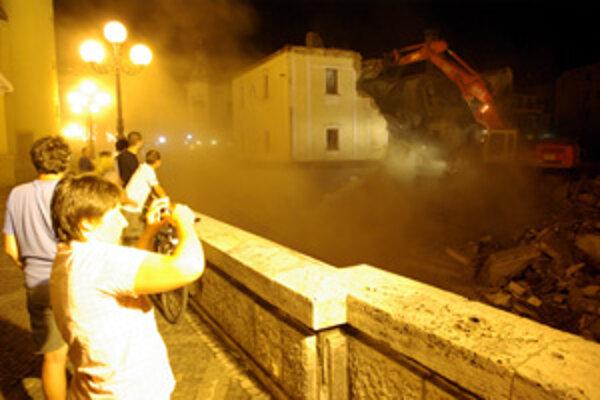 Bagre zbúrali múry v noci z 12. na 13. júla.