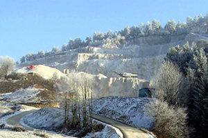 V lome Veľká Čierna I. môžu do konca roku 2009 vyťažiť 500 000 ton dolomitu.