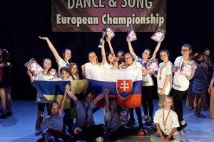 Súťaže vRumunsku sa zúčastnilo 13 tanečníkov.