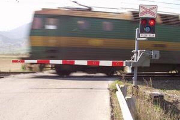 Mŕtvych na železniciach v okolí Žiliny pribúda. V pondelok prišiel o život ďalší človek.